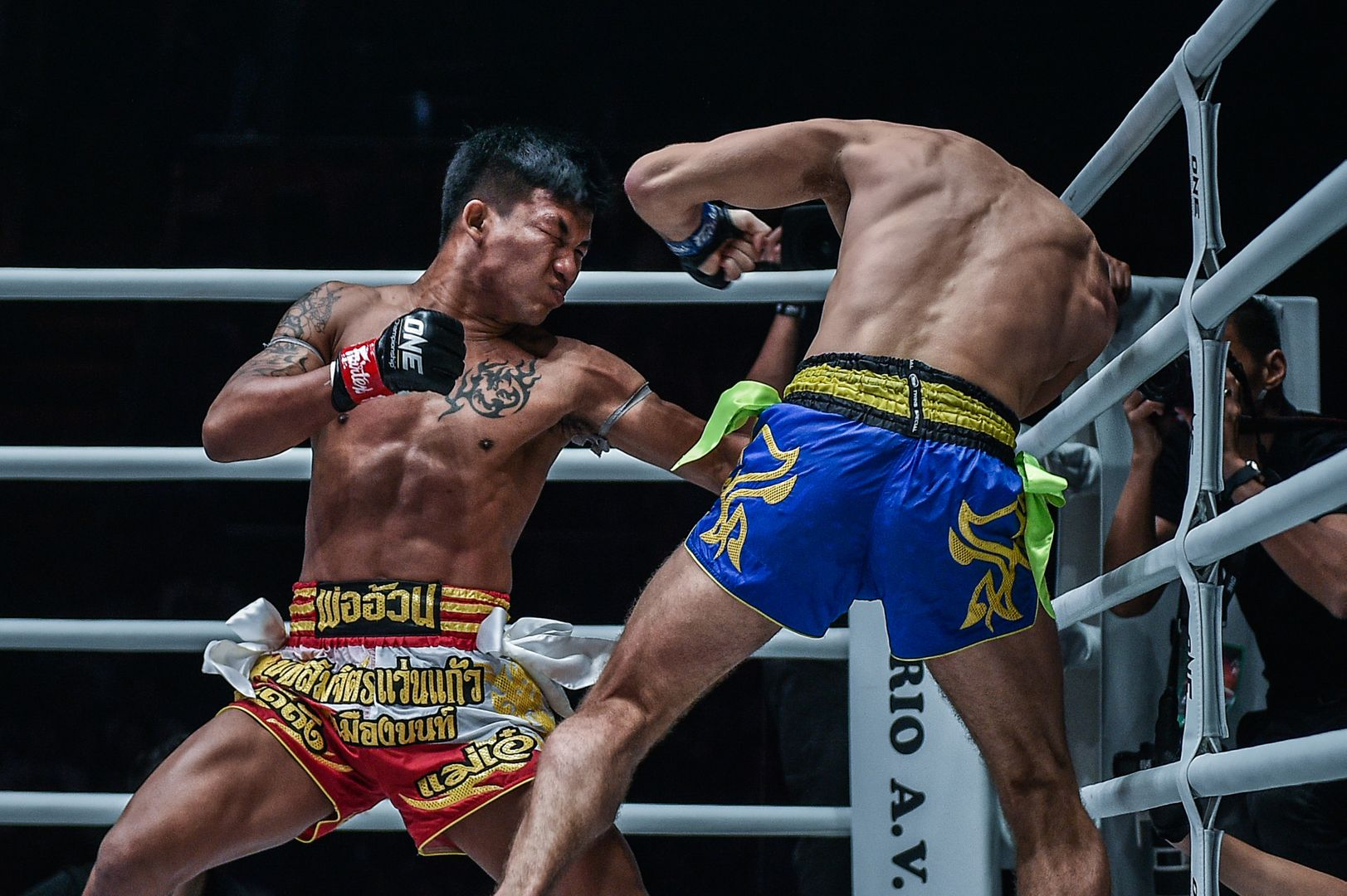 Changing Levels in Muay Thai